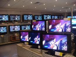 ซื้อทีวี LCD หรือ LED ดี